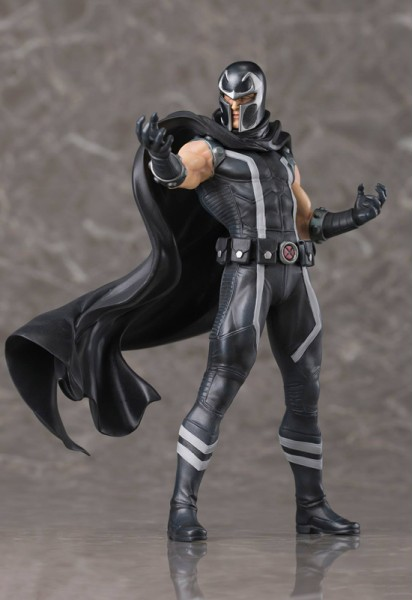 Marvel: Magneto (Complete Figure)